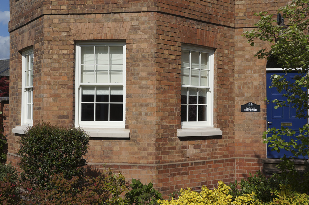 Knowles-warwickshire-side-view-sash-window