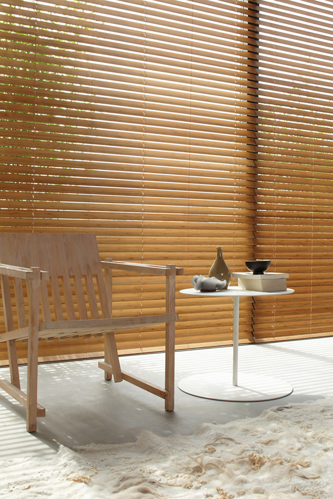 luxaflex-wood-venetian-blind-full-length