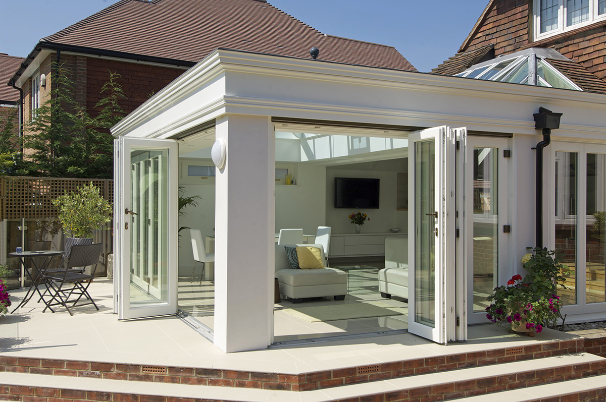 timber-orangery-bifold-doors-roof-lantern